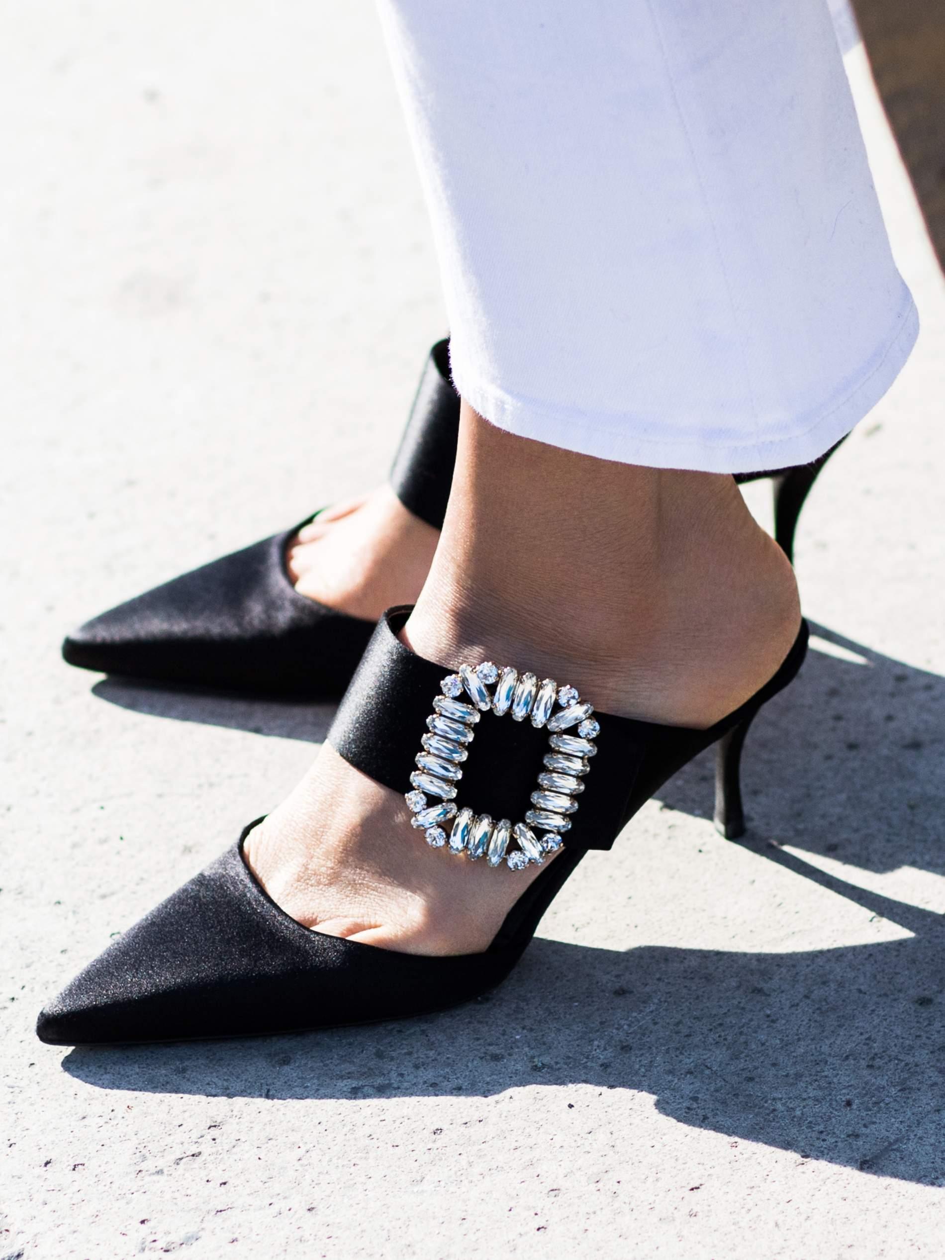 best service 56c41 76cc6 10 der besten Cinderella-Schuhe | PORTER