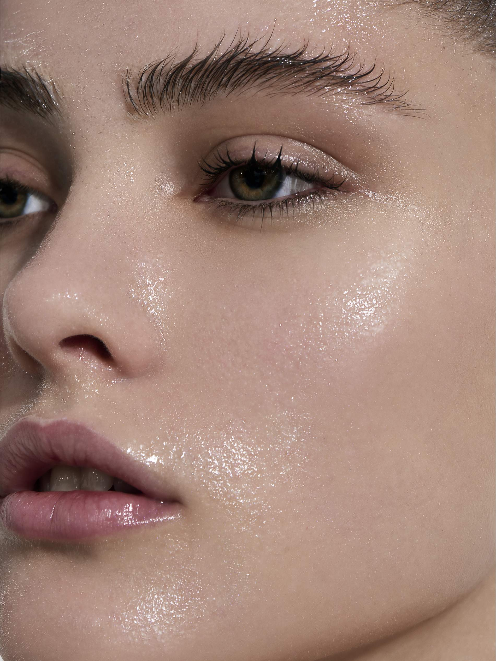 Hyaluronic Acid: How To Use It & Why It's A Skincare