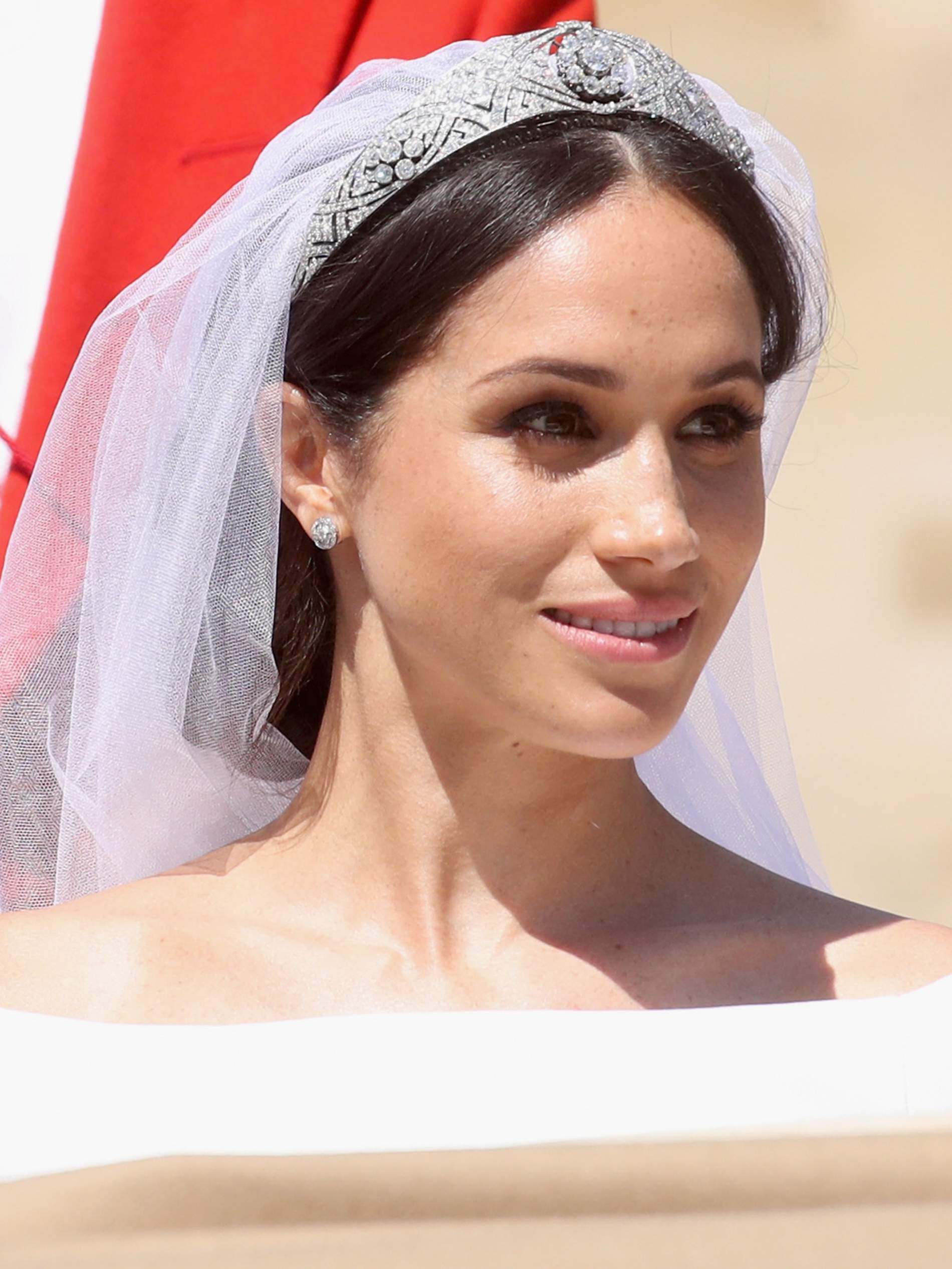 8ebfb539003e DANIEL MARTIN is the man responsible for Meghan Markle s wedding-day glow  and is a master of  no-makeup  makeup. He reveals how to recreate his  signature ...