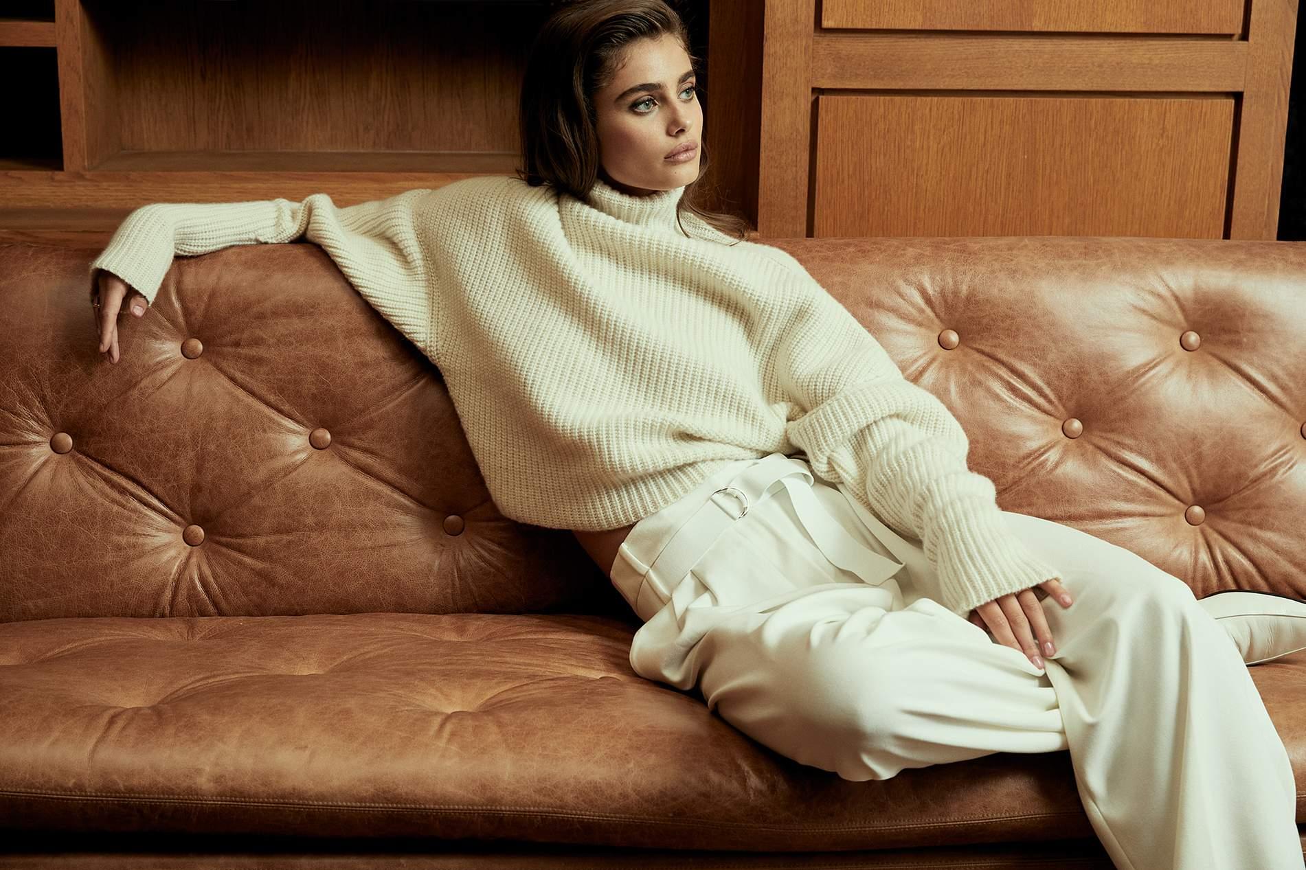 13193c32f040 Victoria's Secret Model Taylor Hill Wears FW18's Most Elegant Tonal ...