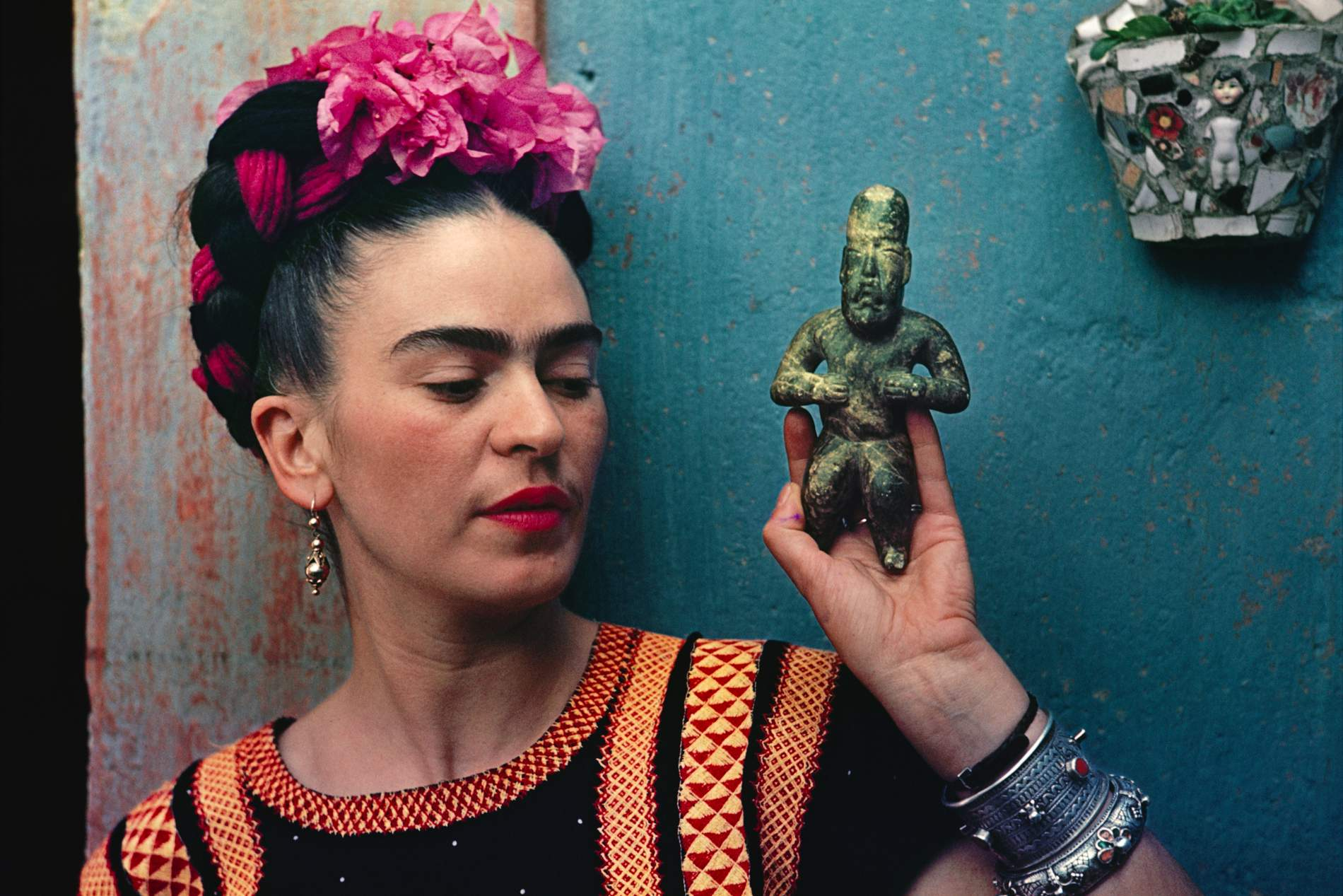 Frida Kahlo: Why Her Famous Unibrow Is So Important | PORTER