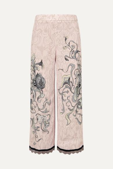 Prada Verkürzte Hose mit geradem Bein aus bedrucktem Crêpe mit Kettenbesatz