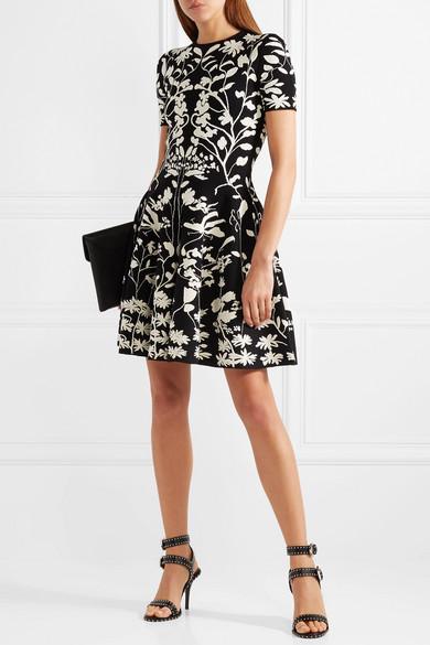 Givenchy Elegant Ledersandalen mit Nieten