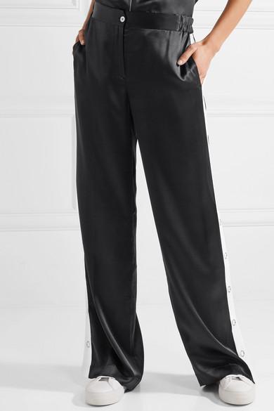 Équipement Pantalon Arwen Avec Large Jambe De Satin De Soie Avec Des Rayures