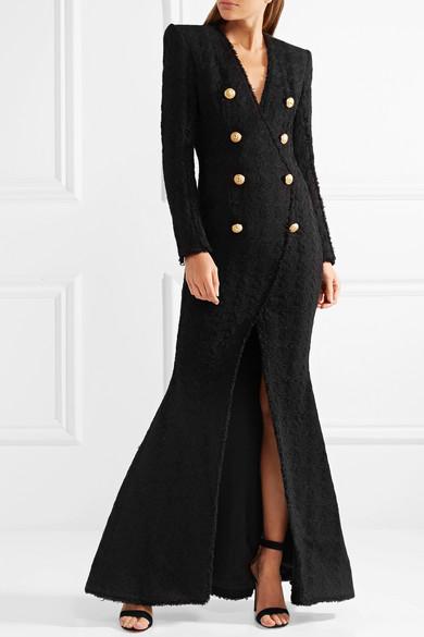 Balmain Robe aus Tweed mit Zierknöpfen