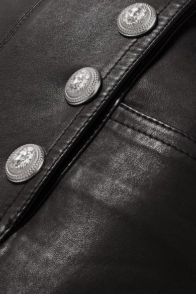 Balmain Eng geschnittene Hose aus Leder mit Zierknöpfen