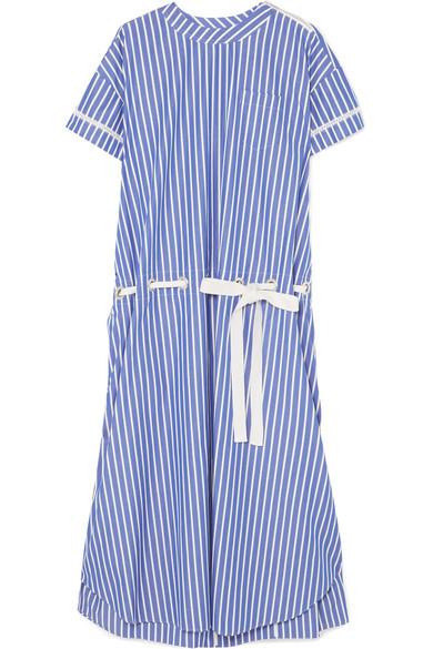 Sacai Gestreiftes Kleid aus Baumwollpopeline mit Spitzenbesätzen
