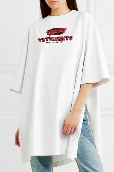 Vetements Bedrucktes Oversized-T-Shirt aus Jersey mit seitlichen Schlitzen