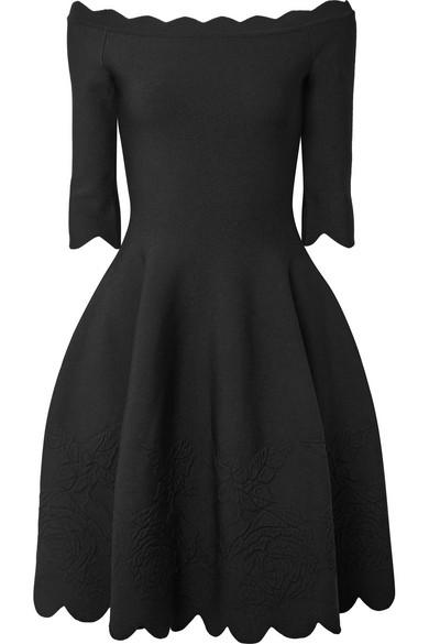 Off-the-shoulder Scalloped Stretch-jacquard Dress - Black Alexander McQueen Factory Outlet Online UrCTmIp
