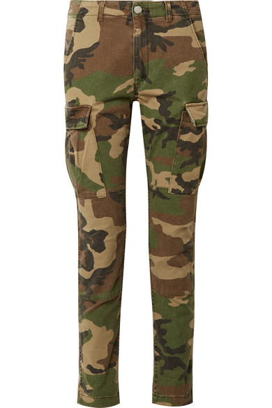 AMIRI Stack eng geschnittene Hose aus Stretch-Baumwolle mit Camouflage-Print