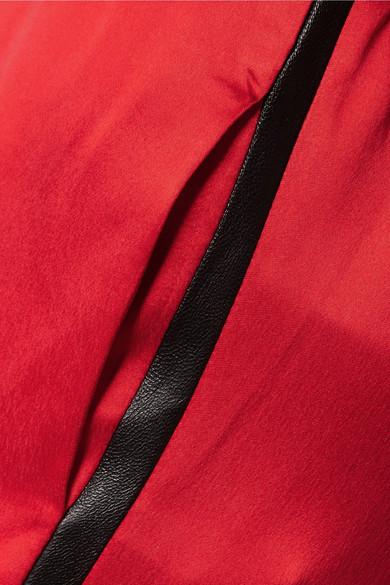 AMIRI Jogginghose aus vorgewaschener Seide mit Lederbesatz