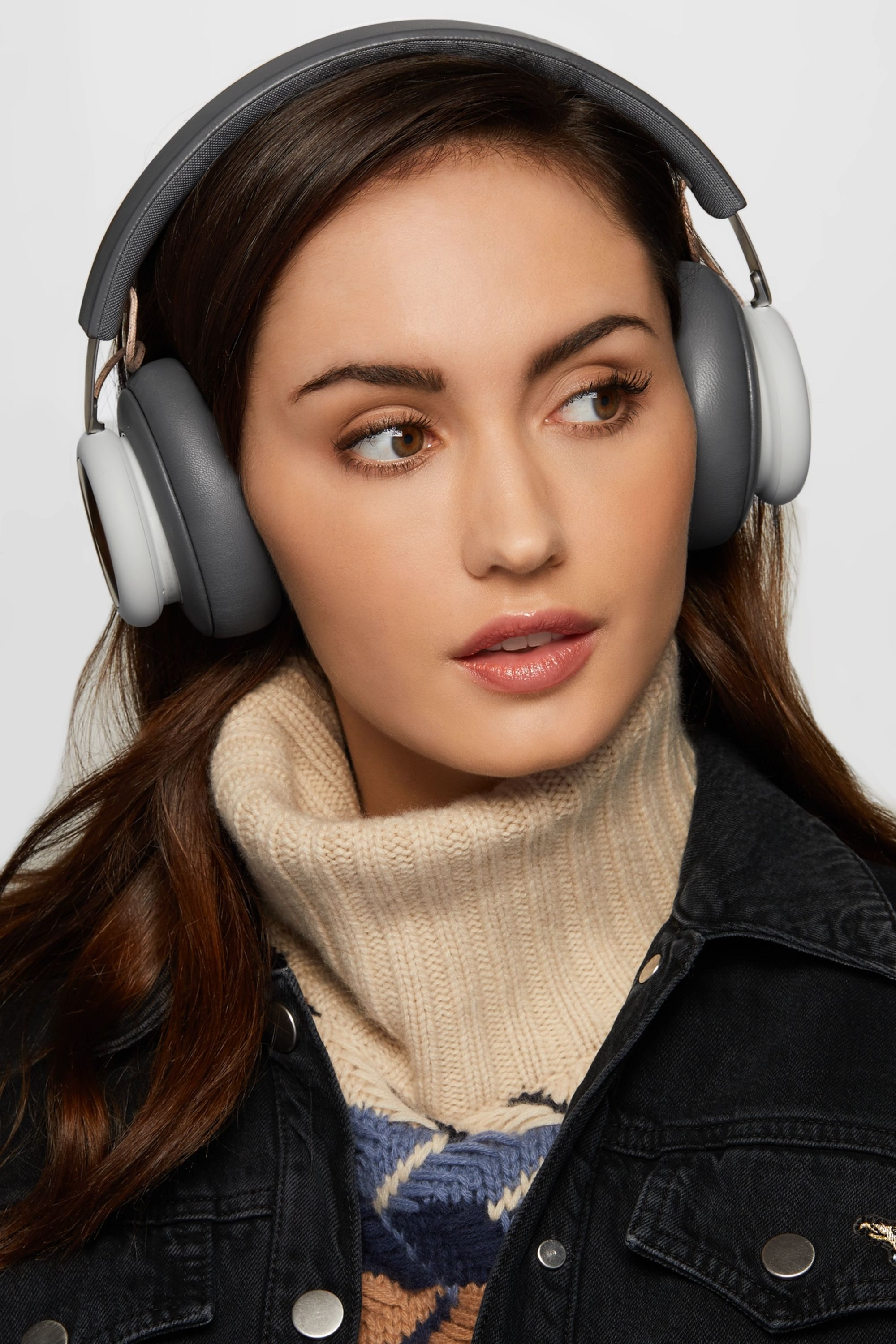 Bang & Olufsen H4 wireless leather and aluminium headphones