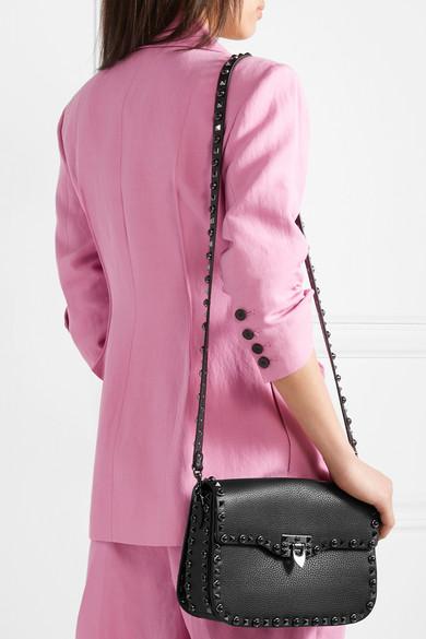 Valentino Rockstud Schultertasche aus strukturiertem Leder
