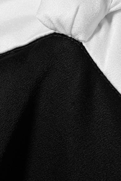 Rachel Zoe Amanda mehrlagige, zweifarbige Neckholder-Robe aus glänzendem Crêpe