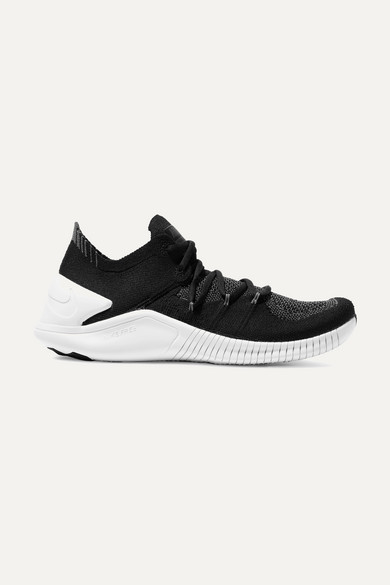 nike free tr 3 black and white kittens