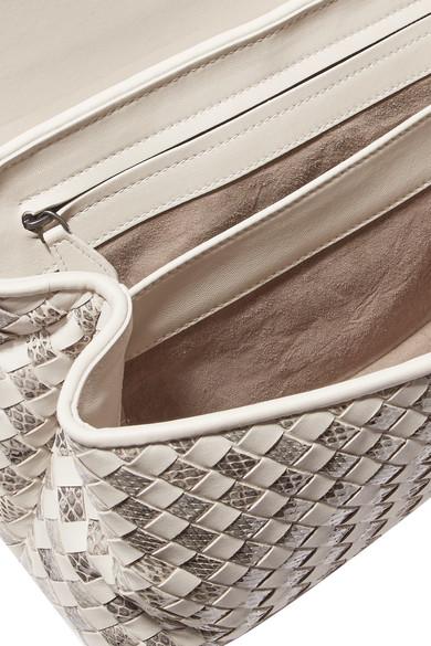 Bottega Veneta City Knot Schultertasche aus Intrecciato- und Wasserschlangenleder