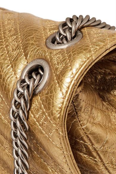 Balenciaga BB Round bestickte Schultertasche aus gestepptem strukturiertem Metallic-Leder