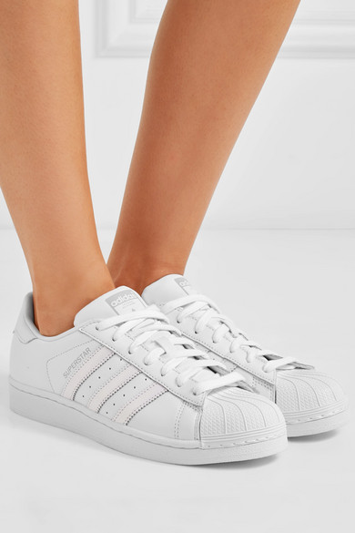 adidas Originals Leder | Superstar Sneakers aus Leder Originals mit Metallic-Besatz 28facd