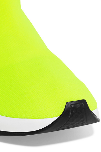 Balenciaga   in Speed High-Top-Sneakers aus Stretch-Strick in   Neon 8653f3