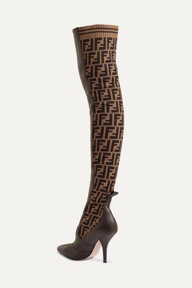 Fendi | mit Rockoko Overknees aus Stretch-Strick mit | Jacquard-Logo und Leder f8f528