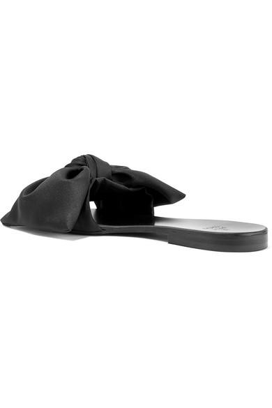 Le Petit Trou Cleo Slippers aus Satin und Leder