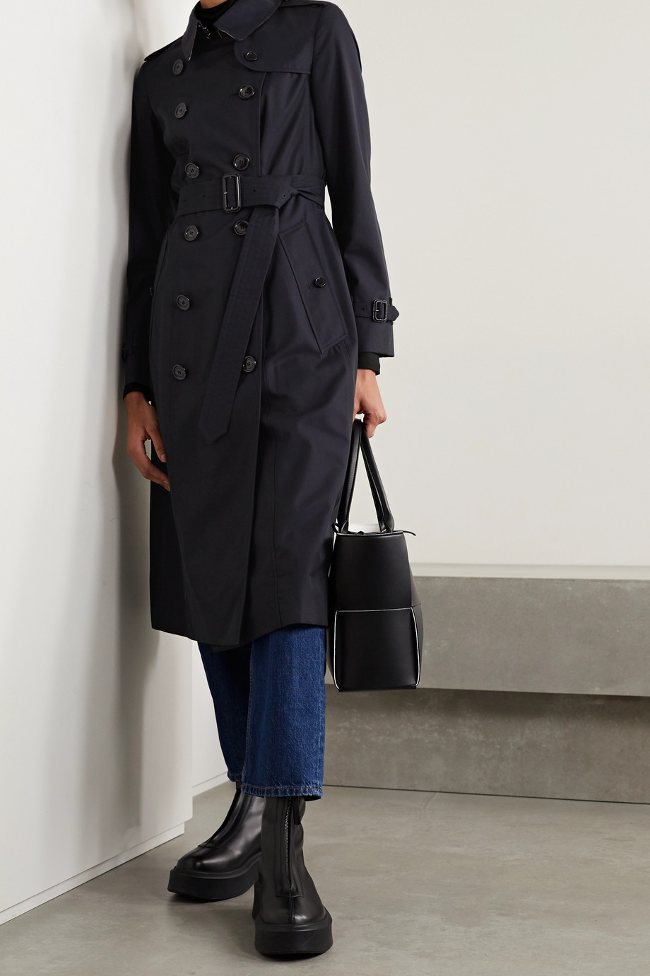 Burberry The Chelsea Long cotton-gabardine trench coat
