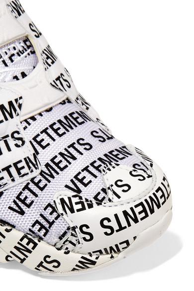 Vetements   + Reebok Instapump und Fury Sneakers aus Leder und Instapump Mesh mit Logoprint 4f89cc