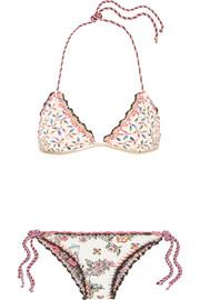 Anjuna Bikini Triangle Imprimé à Volants Et à Finitions En Crochet Noemi - Bleu clair Amazone À Vendre Jeu À Vendre De Nouveaux Styles En Vente En Ligne y0qsNpy