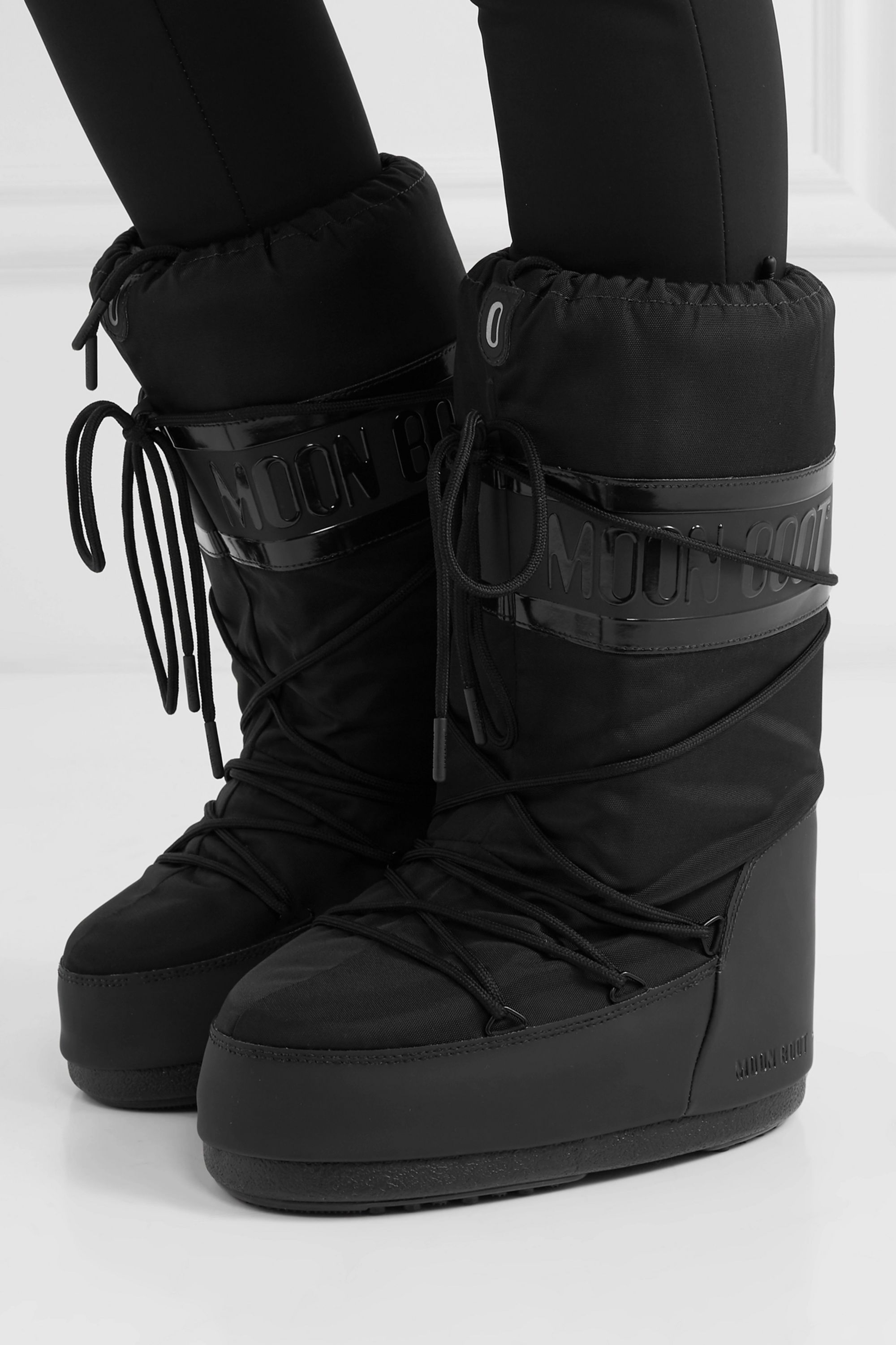 Shell and rubber snow boots   Moon Boot