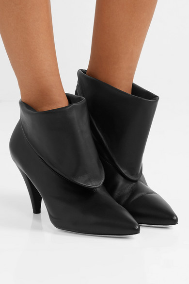 5e7fb97b0535 Fold-over leather ankle boots