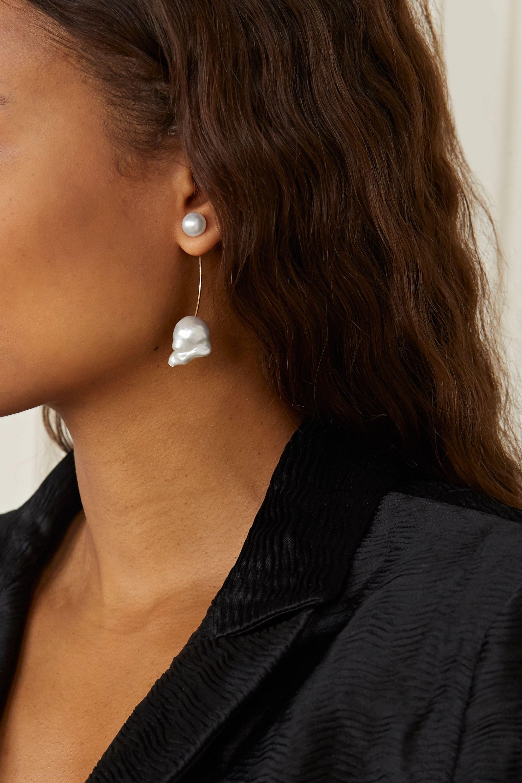 Sophie Bille Brahe Elipse Venus Ohrring aus 14 Karat Gold mit Perlen
