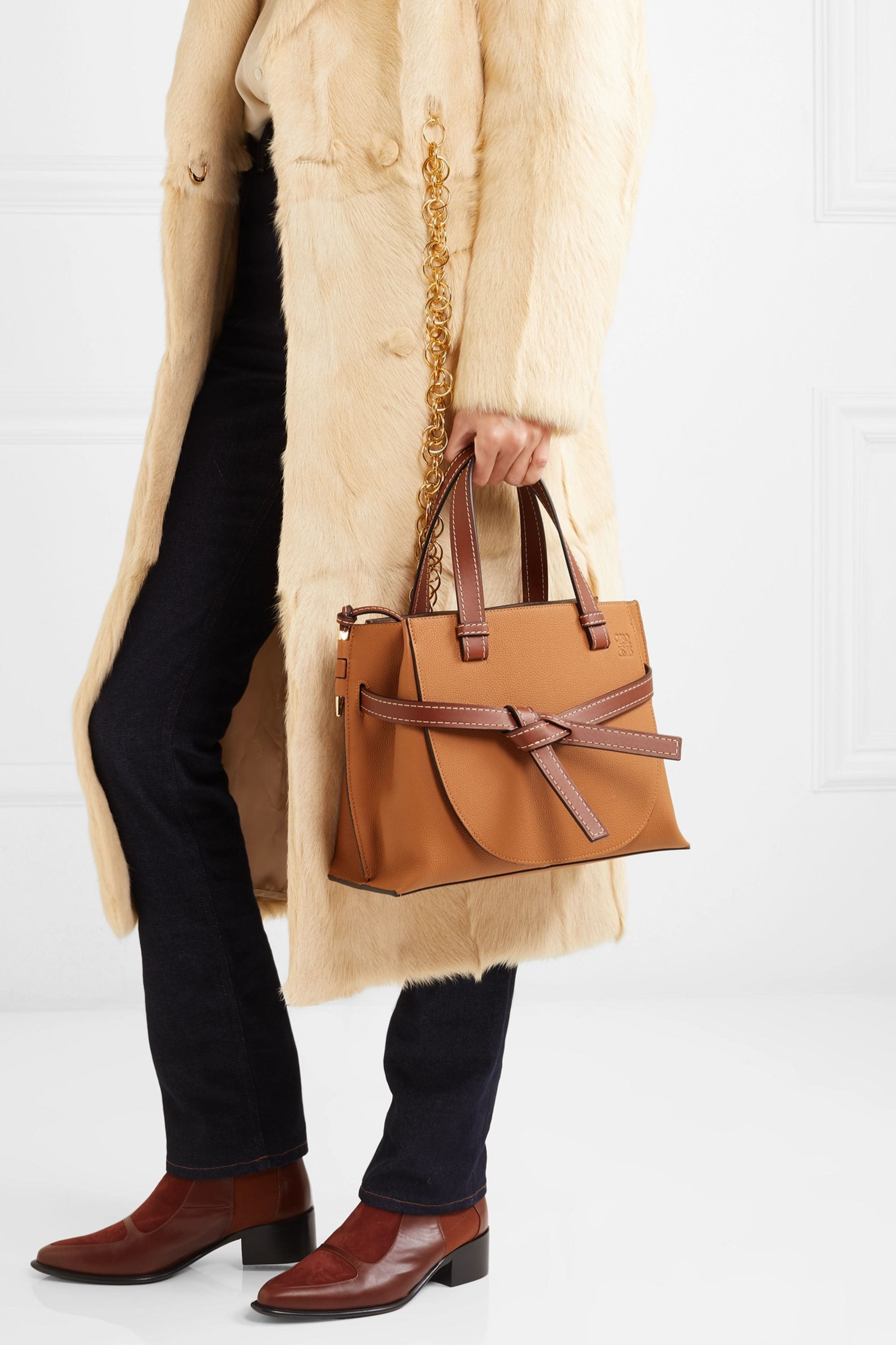 1084204_ou_2000_q80 Best Bags to Buy This Year - Top 20 Designer Bags of 2020