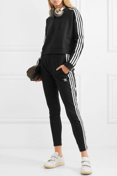 adidas Originals. Verkürzter Hoodie aus Baumwoll-Jersey mit Streifen ea0536a3d1