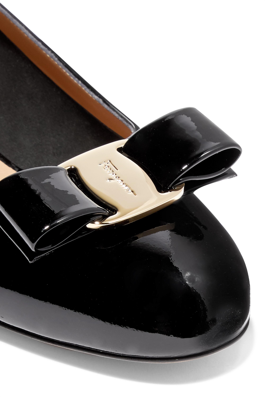 Salvatore Ferragamo Vara bow-embellished patent-leather pumps