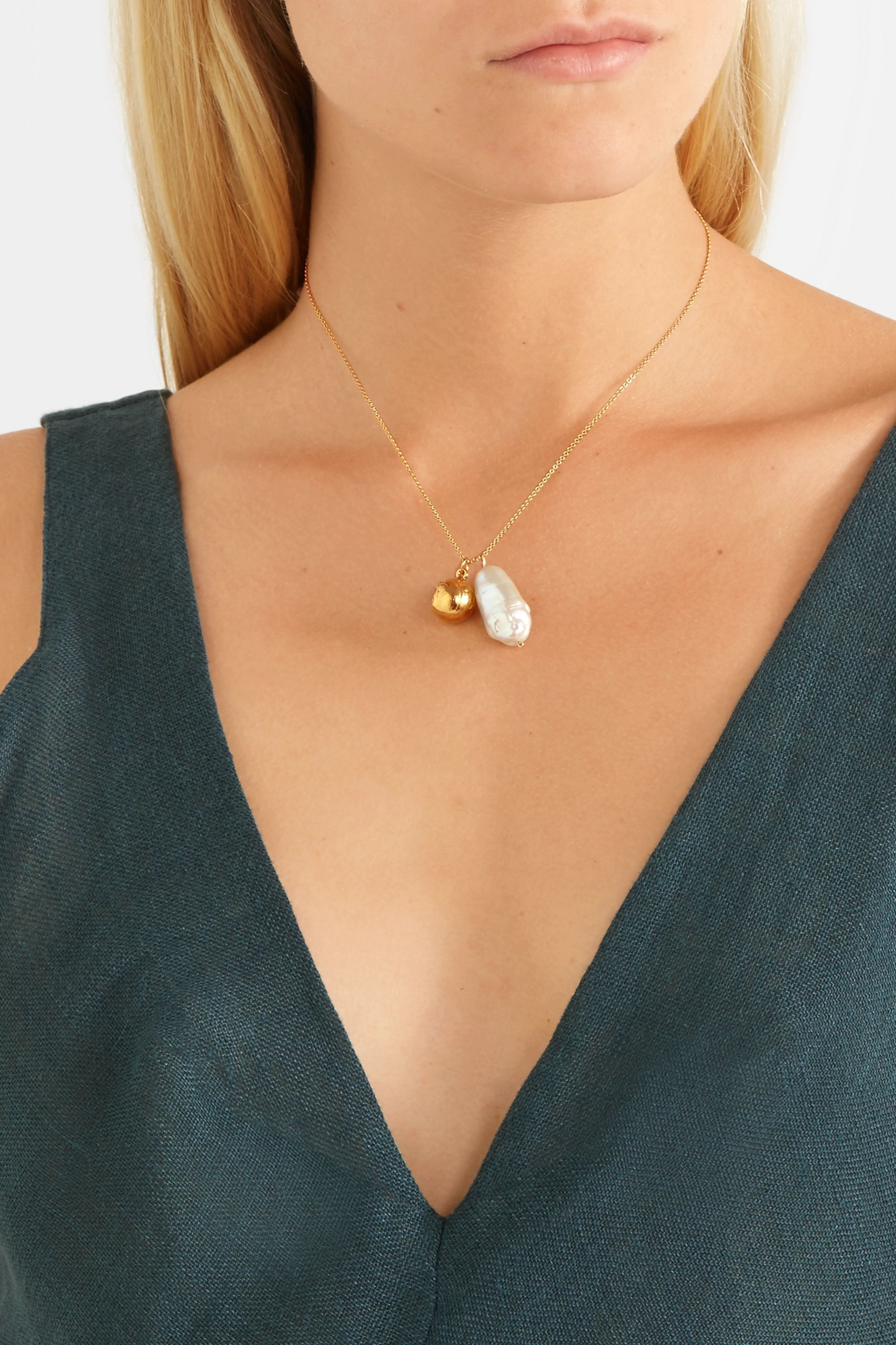 Alighieri The Remedy Chapter iii gold-plated pearl necklace