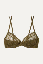 Daisy lace underwired soft-cup bra