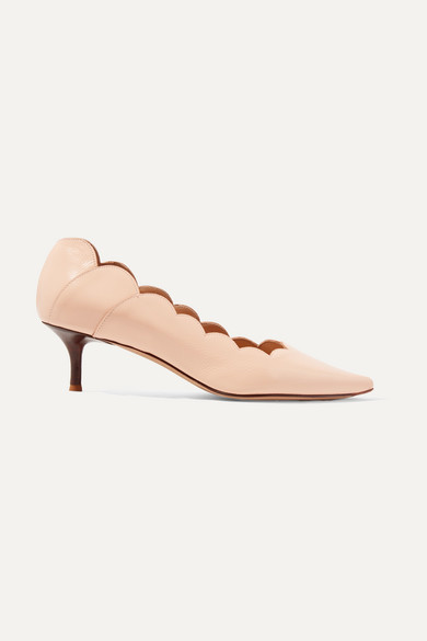 89670bf60d10 Chloé. Lauren scalloped glossed-leather pumps