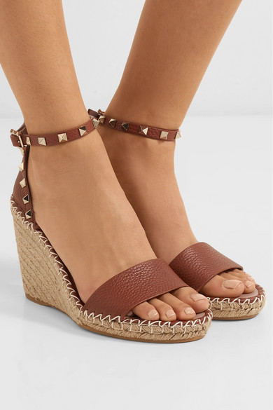 d5a5e713567a Valentino Garavani The Rockstud 105 textured-leather espadrille wedge  sandals
