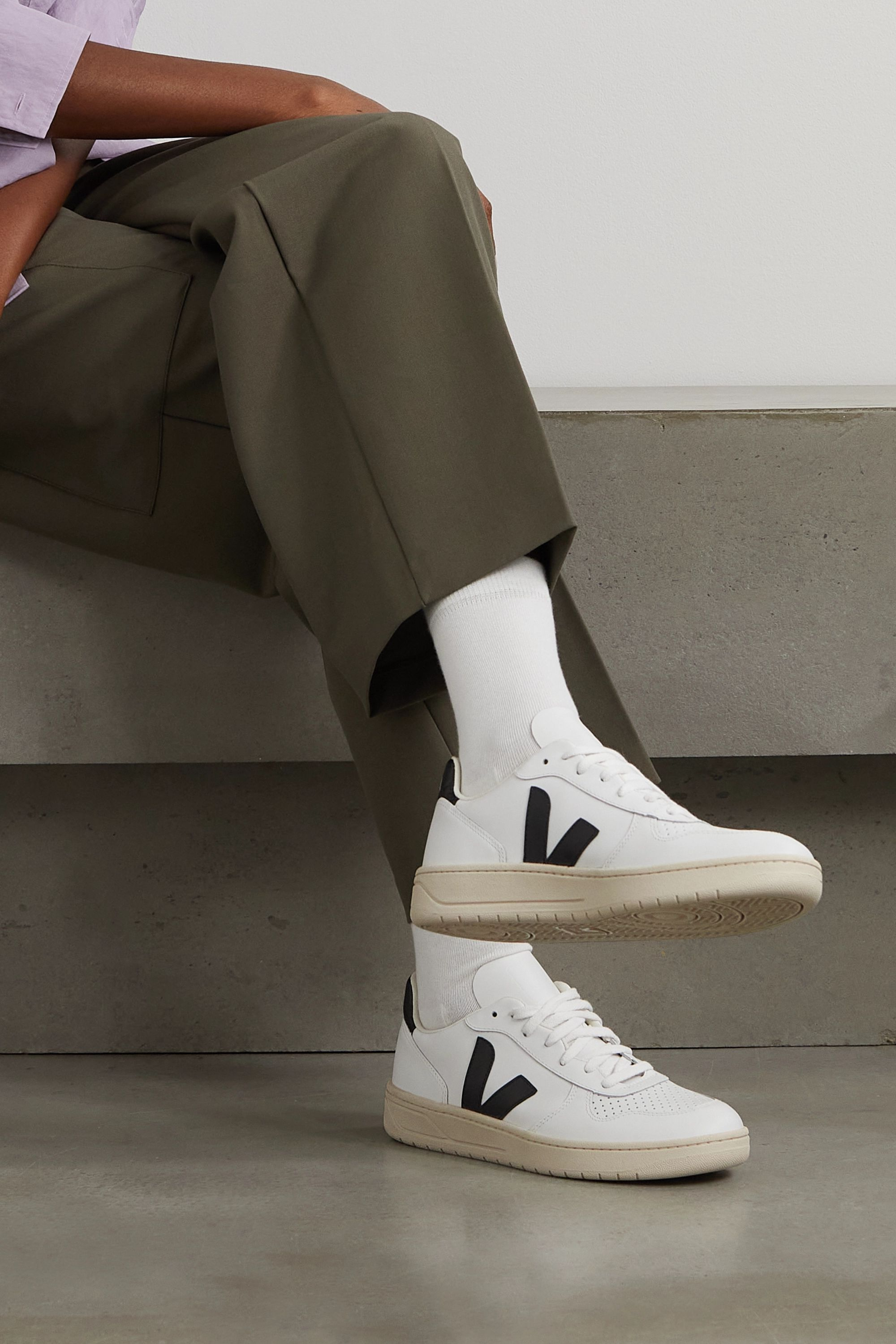 NET SUSTAIN V-10 leather sneakers