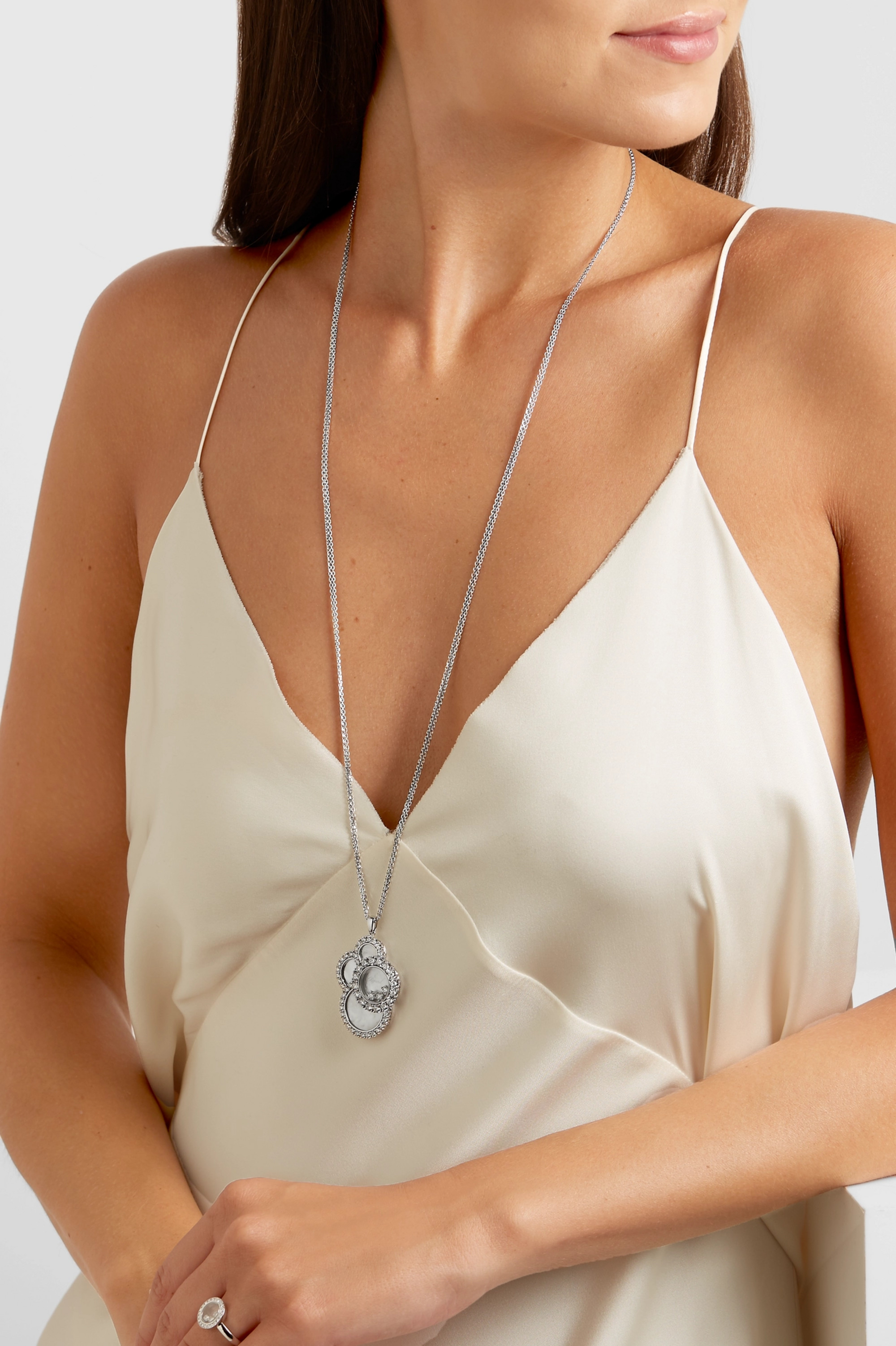 Chopard Happy Dreams 18-karat white gold, diamond and mother-of-pearl necklace