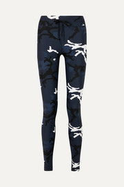 The Upside Yoga Stretch-Leggings mit Camouflage-Print