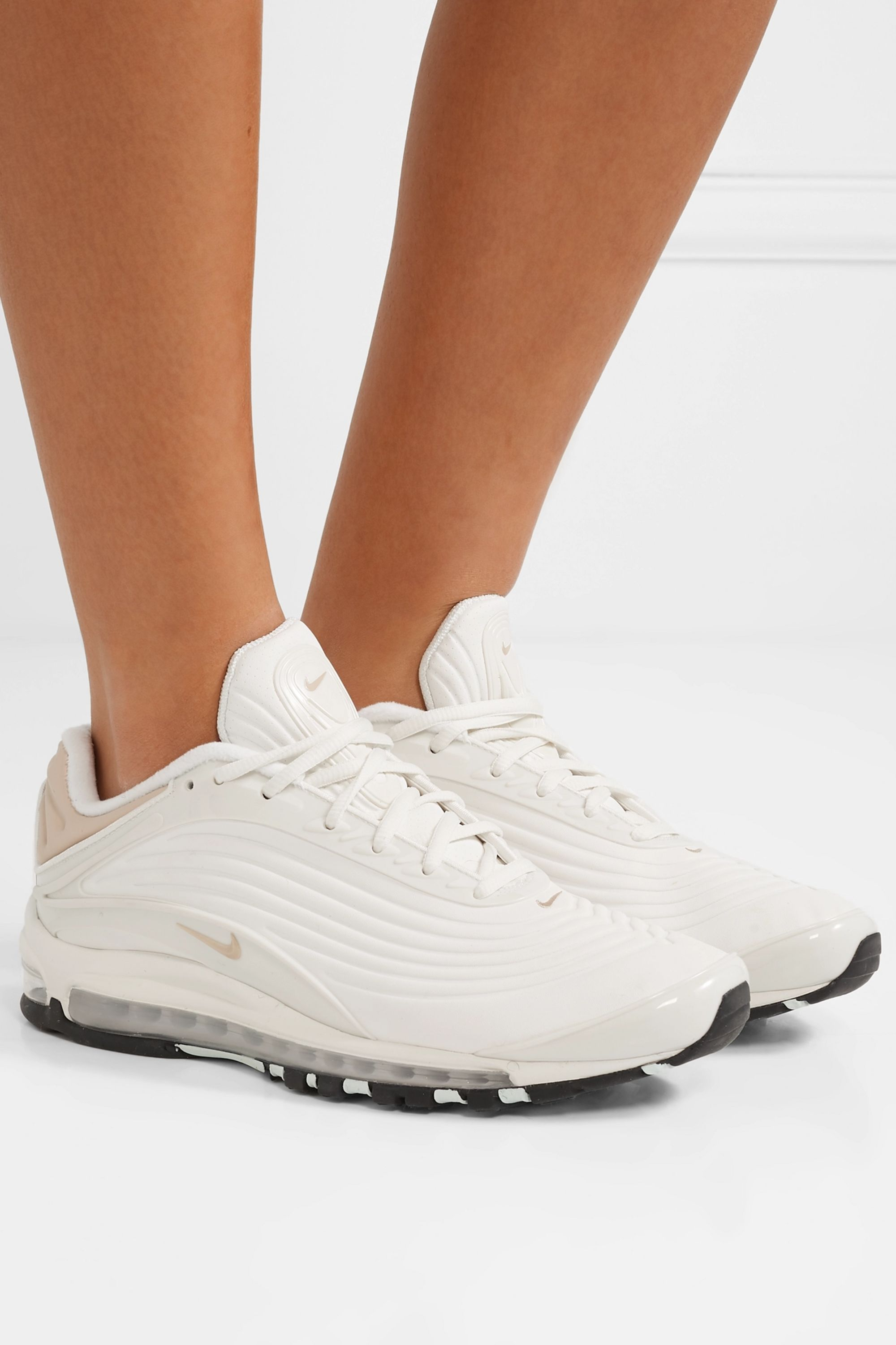 Cream Air Max Deluxe SE leather and