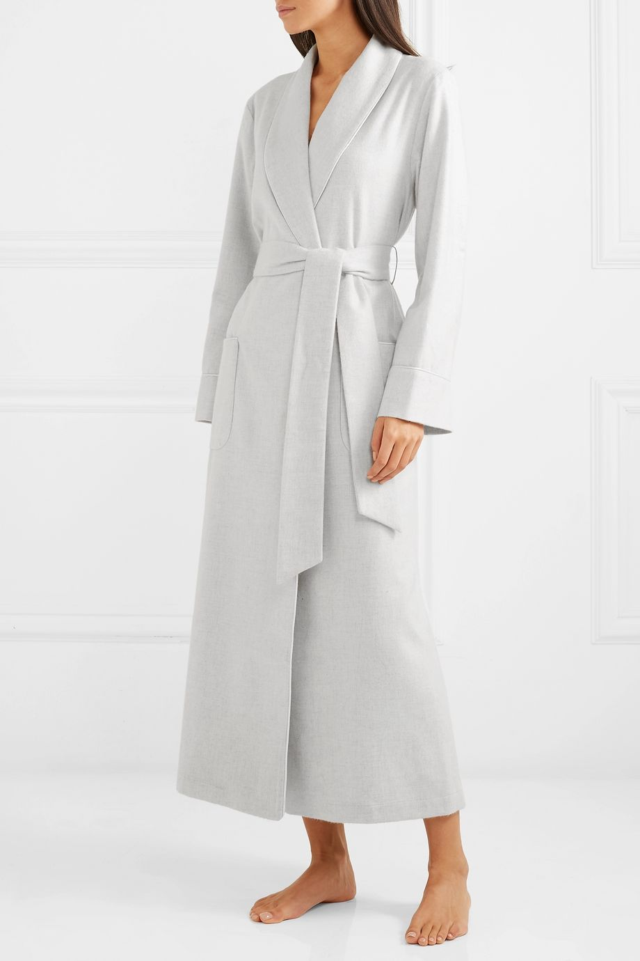 Johnstons of Elgin Silk satin-trimmed cashmere robe