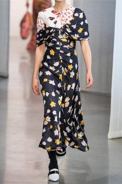 ab07de36e73a Self-Portrait. Off-the-shoulder floral-print satin maxi dress. HK$3,965.  Runway. Play