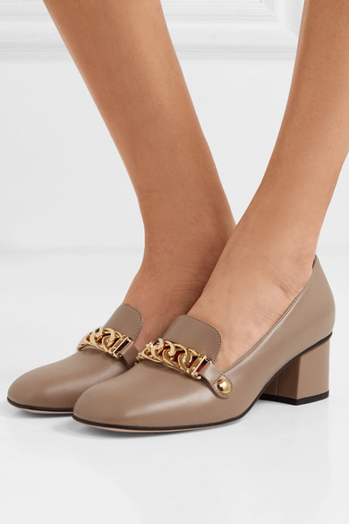 b2f132552 Gucci | Sylvie chain-embellished leather pumps | NET-A-PORTER.COM