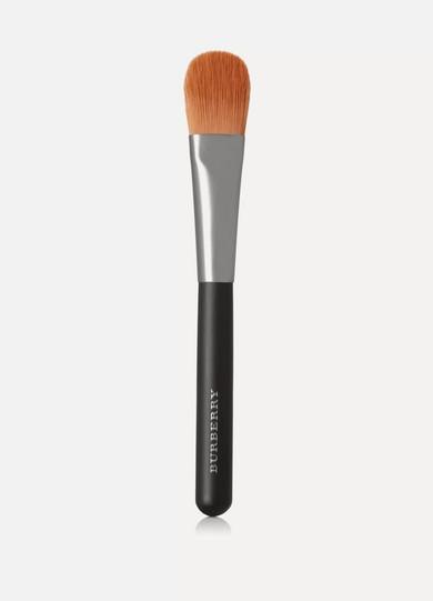 76b7ee9f41c Burberry Beauty. Foundation Brush - No.04