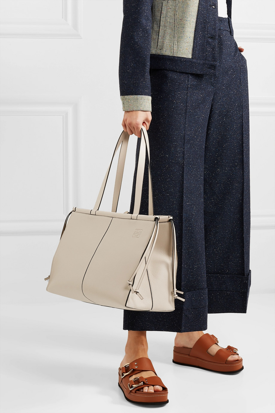 Loewe Sac à main en cuir texturé Cushion Medium