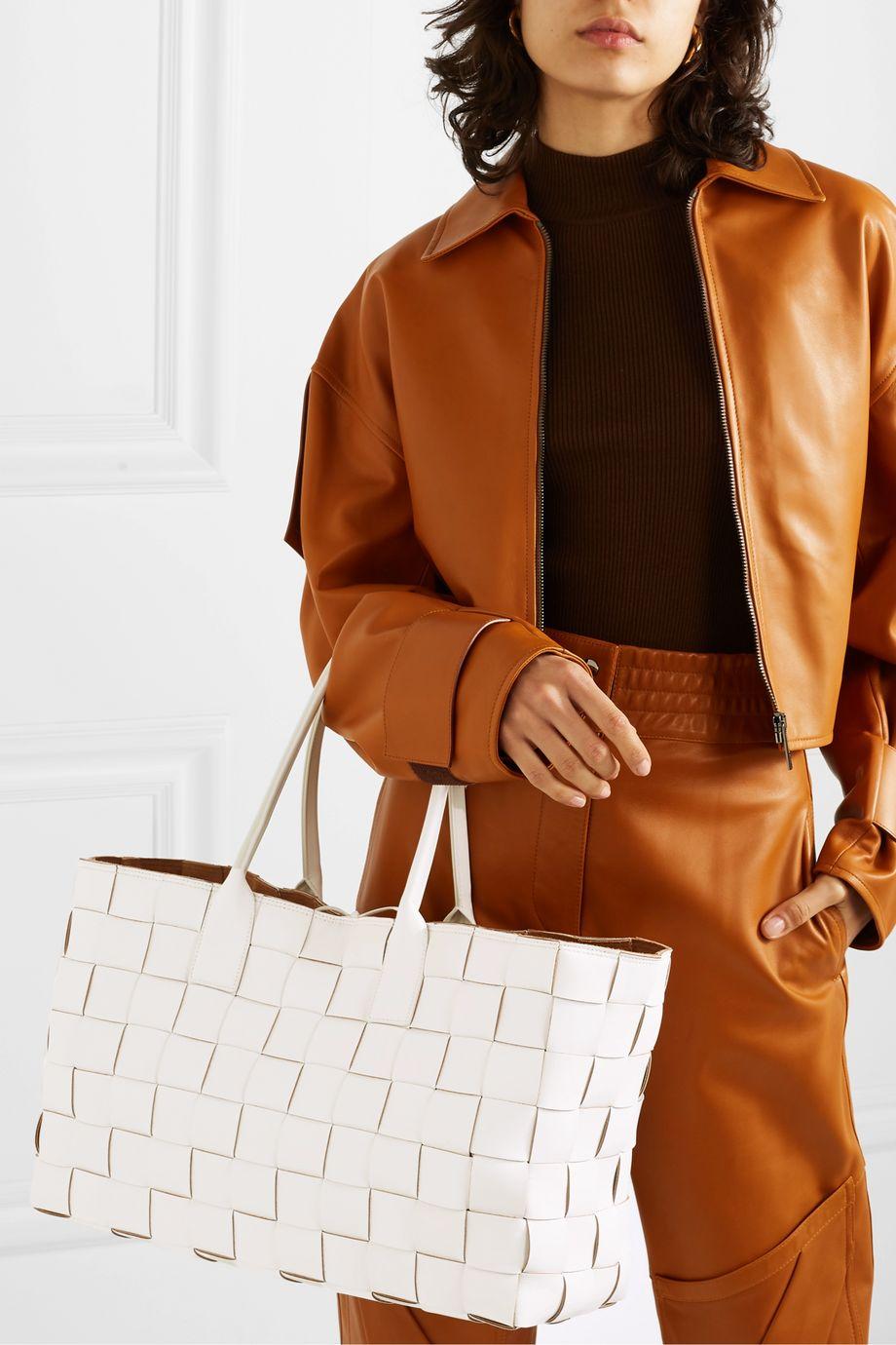 Bottega Veneta Cabas medium intrecciato leather tote