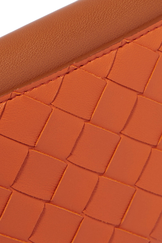 Bottega Veneta Zweifarbiges Portemonnaie aus Intrecciato-Leder