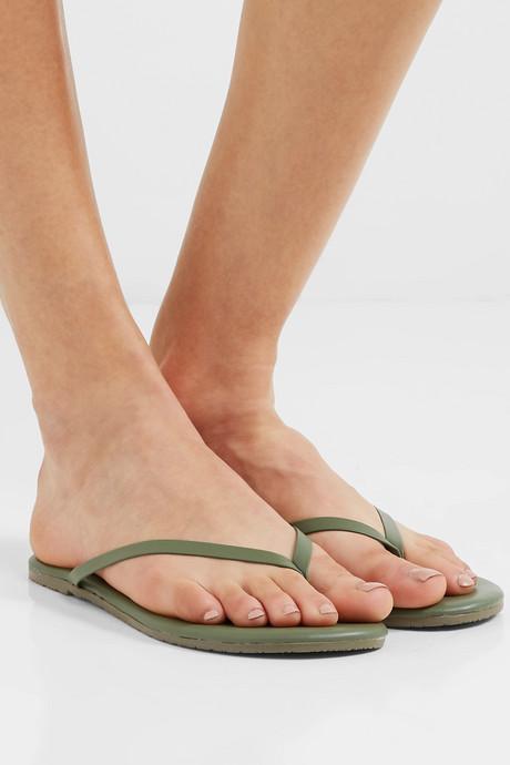 Solids leather flip flops